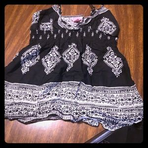 Black and white tank top!
